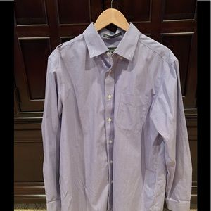 Winkle resistant men's button down shirt